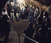Un grupo en la cueva de Toledo Mágico