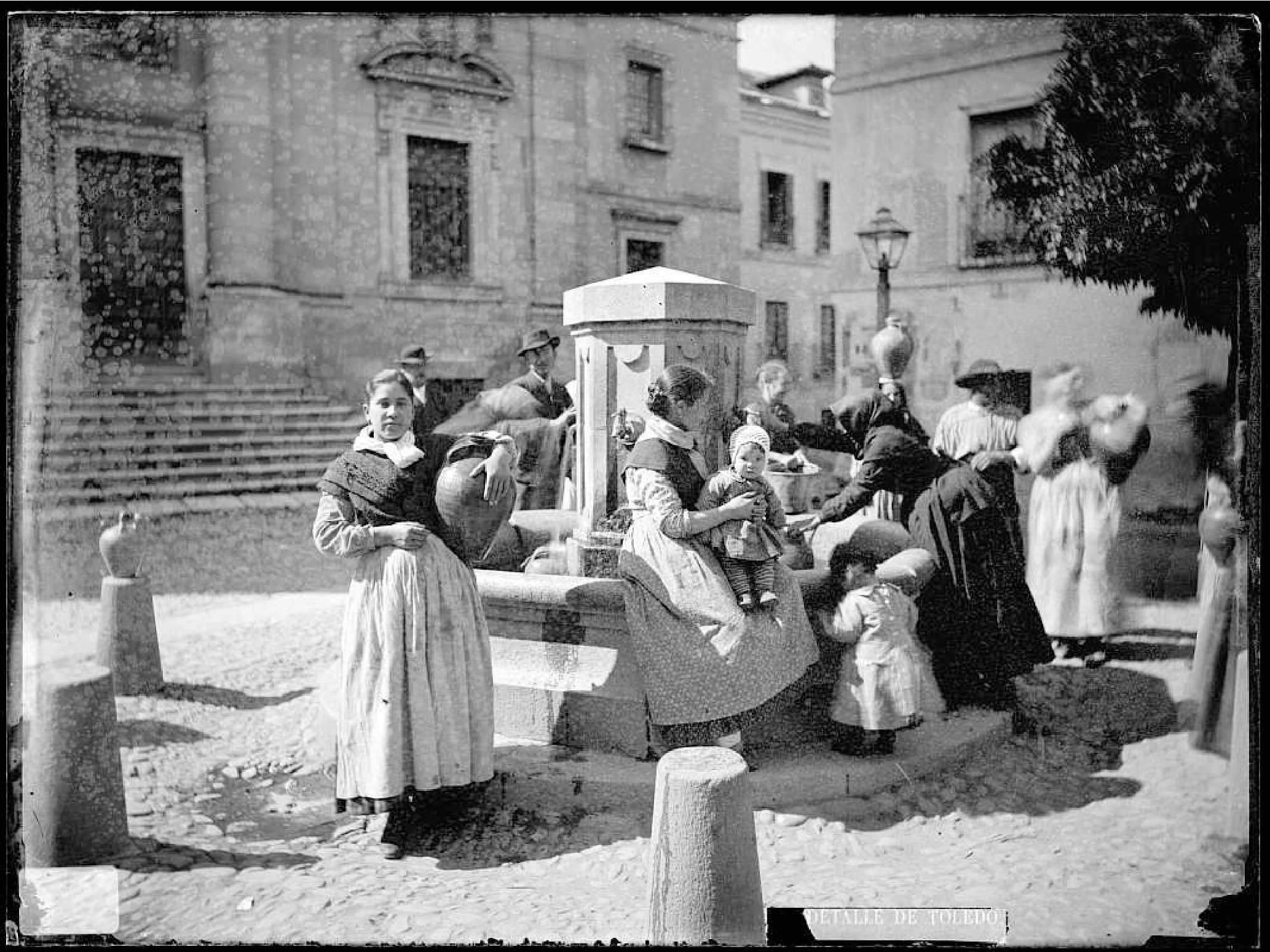 Fuente en la Plaza Juan de Mariana, Casiano Alguacial