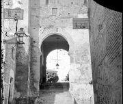 Arco de la Sangre, Toledo por Casiano Alguacil