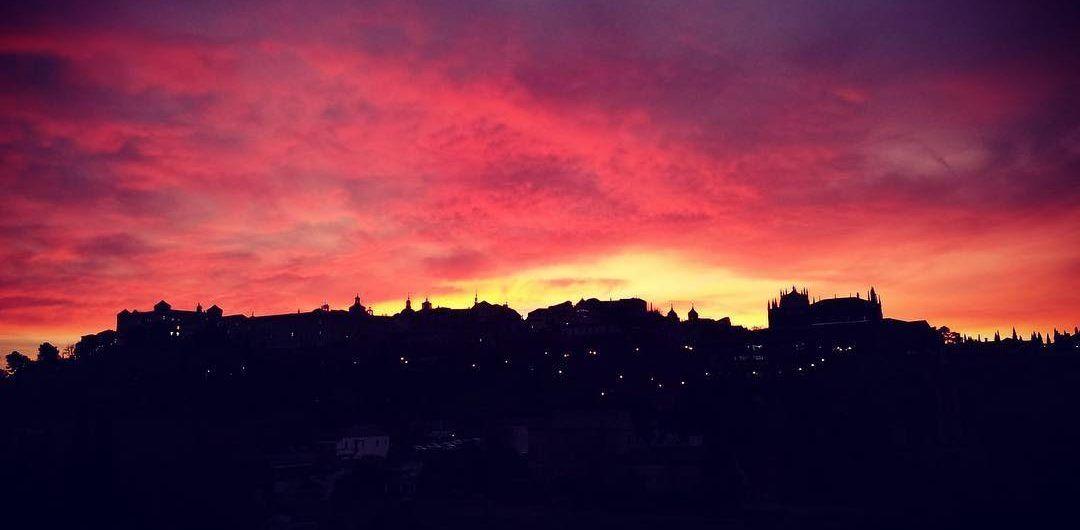 Amanecer rojo en Toledo