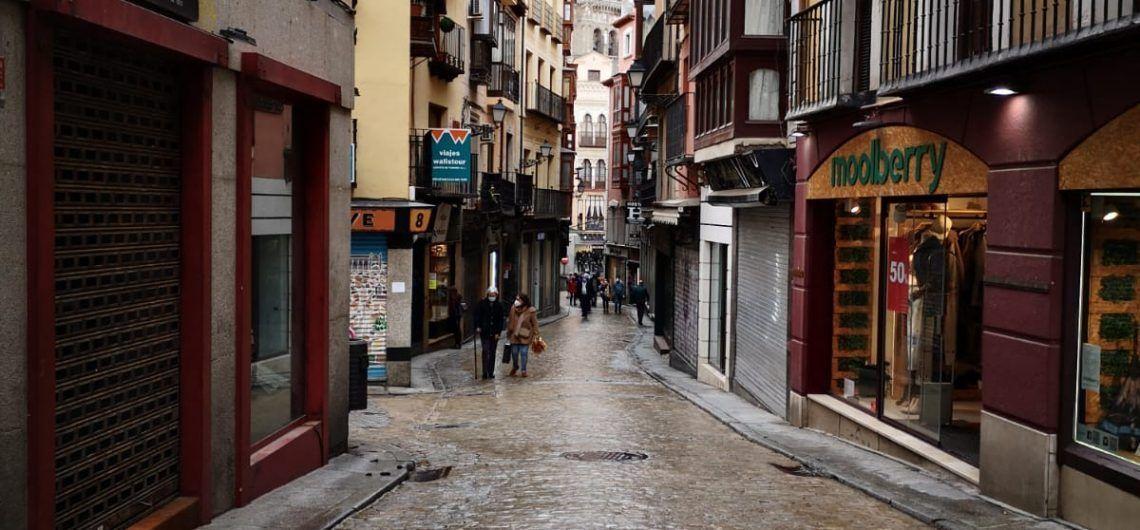 Toledo, 6 de febrero de 2021. Calle Comercio solitaria
