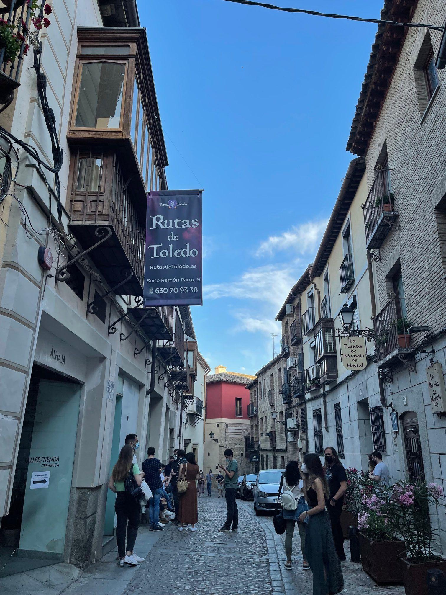 Calle Sixto Ramón Parro, Toledo. Oficina de Rutas de Toledo